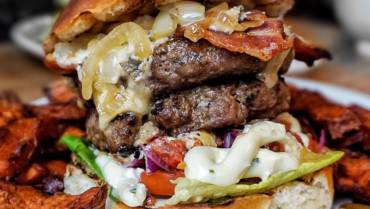 Online ordering for takeaway burgers in our Clifton restaurant